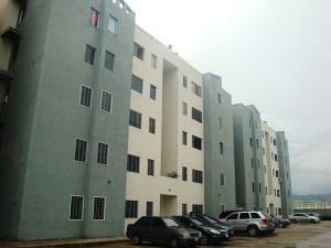 Apartamento En Venta En Municipio Los Guayos, Paraparal, Venezuela, VE RAH: 16-12531