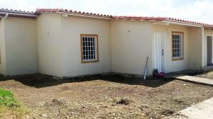 Townhouse En Venta En Guacara, Villa Alianza, Venezuela, VE RAH: 16-11440