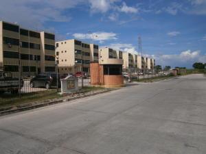 Apartamento En Venta En Municipio Los Guayos, Buenaventura, Venezuela, VE RAH: 16-12553