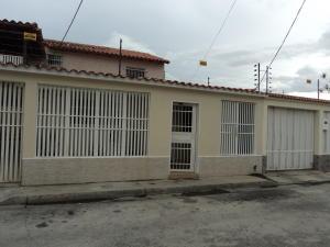 Casa En Venta En Palo Negro, Los Libertadores, Venezuela, VE RAH: 16-12575