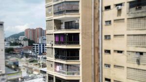 Apartamento En Venta En Valencia, Los Sauces, Venezuela, VE RAH: 16-12579