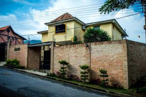 Casa En Venta En Municipio Naguanagua, La Entrada, Venezuela, VE RAH: 16-11173