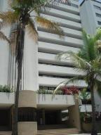 Apartamento En Venta En Parroquia Caraballeda, Tanaguarena, Venezuela, VE RAH: 16-12816