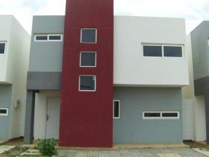 Townhouse En Venta En Coro, Sol De Coro, Venezuela, VE RAH: 16-12589