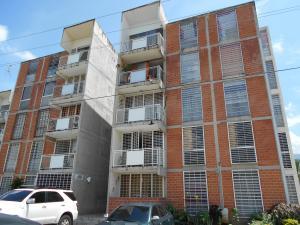Apartamento En Venta En Guarenas, Las Islas, Venezuela, VE RAH: 16-12739