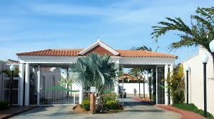 Casa En Venta En Punto Fijo, Casacoima, Venezuela, VE RAH: 16-12758
