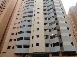 Apartamento En Venta En Valencia, La Trigaleña, Venezuela, VE RAH: 16-12610