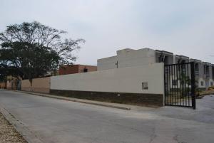 Townhouse En Venta En Municipio Naguanagua, Manantial, Venezuela, VE RAH: 16-12624