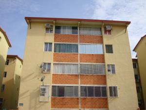 Apartamento En Venta En Maracay, Coropo, Venezuela, VE RAH: 16-12655