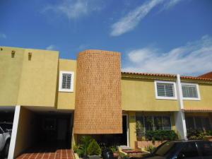 Townhouse En Venta En Maracaibo, Avenida Milagro Norte, Venezuela, VE RAH: 16-12674