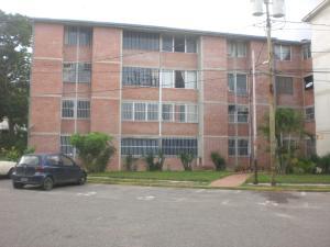 Apartamento En Venta En Guatire, Valle Arriba, Venezuela, VE RAH: 16-13241