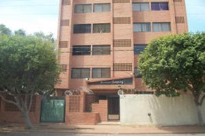 Apartamento En Venta En Maracaibo, Cecilio Acosta, Venezuela, VE RAH: 16-12883