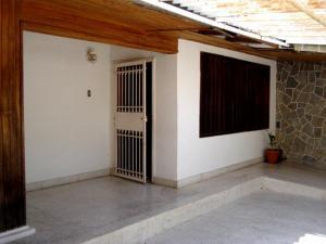 Casa En Venta En Palo Negro, Conjunto Residencial Palo Negro, Venezuela, VE RAH: 16-12691