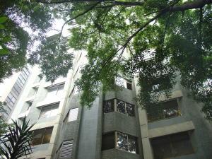 Apartamento En Venta En Caracas, El Rosal, Venezuela, VE RAH: 16-12700