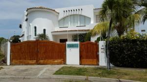 Casa En Ventaen Higuerote, Puerto Encantado, Venezuela, VE RAH: 16-12721