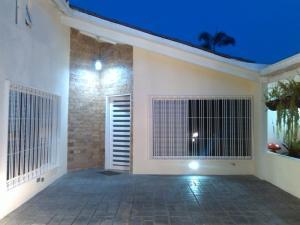 Casa En Venta En Caracas, Colinas De Caicaguana, Venezuela, VE RAH: 16-12754