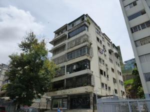 Apartamento En Venta En Caracas, Colinas De Bello Monte, Venezuela, VE RAH: 16-19835
