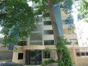 Apartamento En Venta En Valencia, Trigal Centro, Venezuela, VE RAH: 16-12817