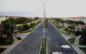 Townhouse En Venta En Maracaibo, Zona Norte, Venezuela, VE RAH: 16-12827