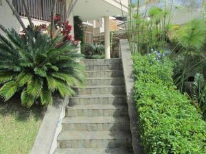 Casa En Venta En Caracas, El Marques, Venezuela, VE RAH: 16-12860