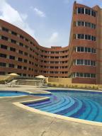 Apartamento En Venta En Tucacas, Santa Rosa, Venezuela, VE RAH: 16-12862