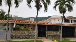 Casa En Venta En Valencia, La Trigaleña, Venezuela, VE RAH: 16-12866
