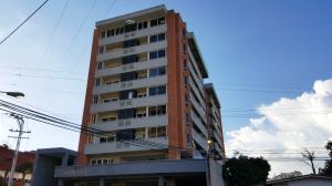 Apartamento En Venta En Valencia, Agua Blanca, Venezuela, VE RAH: 16-12873