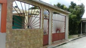 Casa En Venta En Municipio Carlos Arvelo, Central Tacarigua, Venezuela, VE RAH: 16-12892