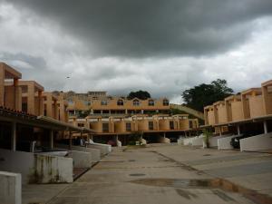 Townhouse En Venta En Municipio Naguanagua, El Rincon, Venezuela, VE RAH: 16-14440