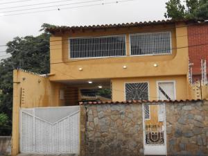 Casa En Venta En Maracay, El Castaño, Venezuela, VE RAH: 16-12932