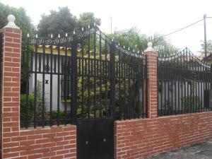 Casa En Venta En Valencia, Santa Rosa, Venezuela, VE RAH: 16-12936