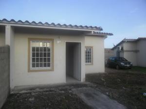 Casa En Venta En Guacara, Ciudad Alianza, Venezuela, VE RAH: 16-12938