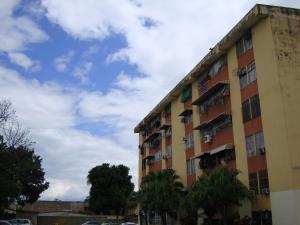 Apartamento En Venta En Maracay, San Carlos, Venezuela, VE RAH: 16-12954