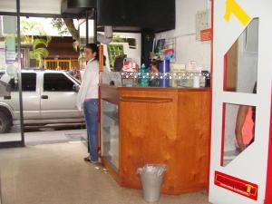 Local Comercial En Venta En Caracas, Chacao, Venezuela, VE RAH: 16-12966
