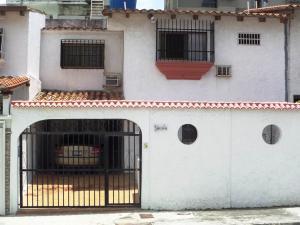 Casa En Venta En Caracas, Palo Verde, Venezuela, VE RAH: 16-12973
