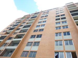 Apartamento En Venta En Caracas, Colinas De La Tahona, Venezuela, VE RAH: 16-12986