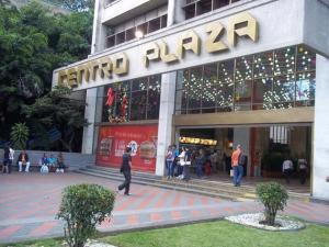 Local Comercial En Venta En Caracas, Los Palos Grandes, Venezuela, VE RAH: 16-13000