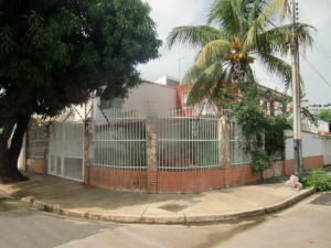 Casa En Venta En Municipio San Diego, La Esmeralda, Venezuela, VE RAH: 16-13058