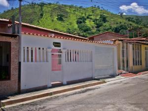 Casa En Venta En La Victoria, Centro, Venezuela, VE RAH: 16-13125