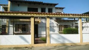 Casa En Venta En Higuerote, Mamporal, Venezuela, VE RAH: 16-13071