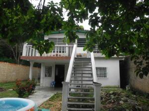 Casa En Venta En Municipio Naguanagua, Caprenco, Venezuela, VE RAH: 16-13106