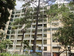 Apartamento En Venta En Caracas, Caricuao, Venezuela, VE RAH: 16-13123