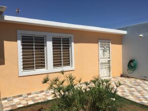 Casa En Venta En Punto Fijo, Pedro Manuel Arcaya, Venezuela, VE RAH: 16-13153