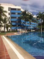 Apartamento En Venta En Rio Chico, Los Canales De Rio Chico, Venezuela, VE RAH: 16-13164
