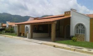 Casa En Ventaen Municipio San Diego, La Cumaca, Venezuela, VE RAH: 16-9145