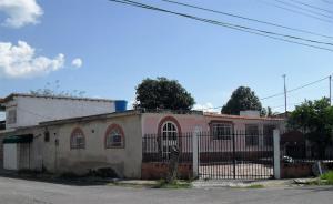 Casa En Venta En Maracay, San Carlos, Venezuela, VE RAH: 16-12159