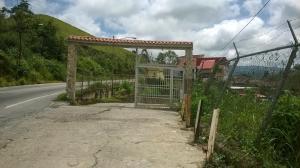 Casa En Venta En Los Teques, Municipio Guaicaipuro, Venezuela, VE RAH: 16-13551