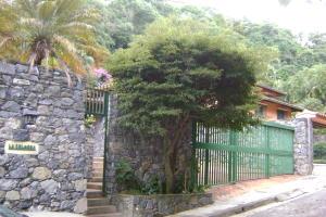 Casa En Venta En Caracas, Colinas Del Tamanaco, Venezuela, VE RAH: 16-13231