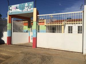 Casa En Venta En Punto Fijo, Punto Fijo, Venezuela, VE RAH: 16-13235