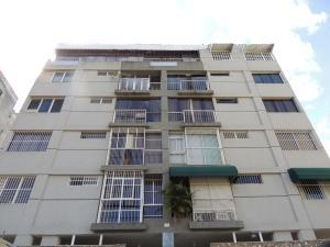 Apartamento En Venta En Caracas, Cumbres De Curumo, Venezuela, VE RAH: 16-13249